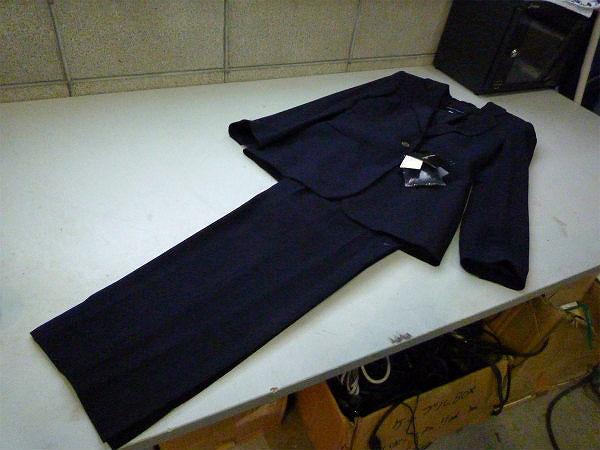 レディーススーツ上下-ARMANIを3000円で買取ました。@勇払郡むかわ町(ID:75473)