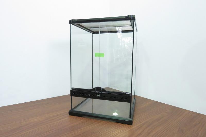 EXOTERRA-エキゾテラ-爬虫類用ケース-幅30-5×奥行30-5×高さ44cmを500円で買取ました。@春日部市(ID:5555)
